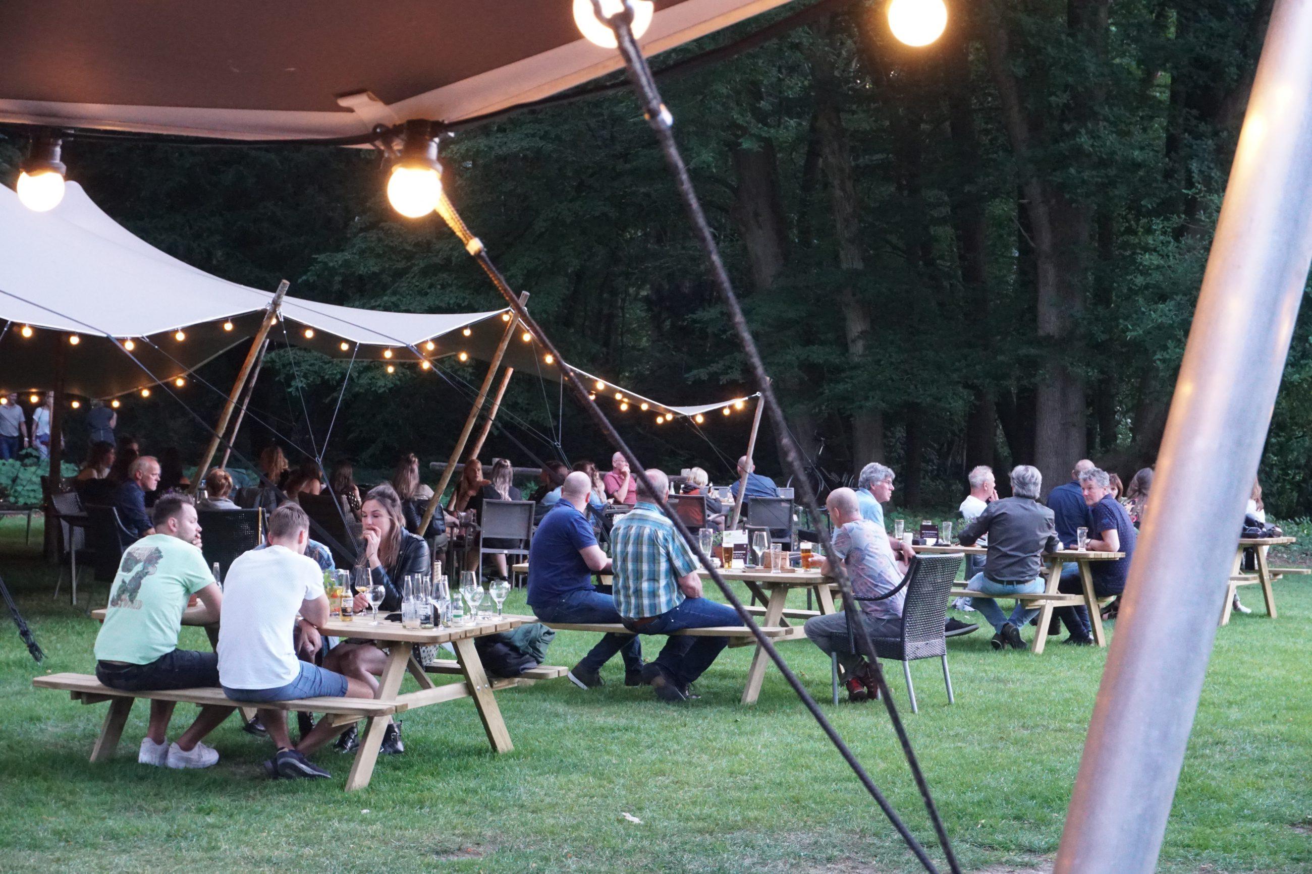 Waan je in het buitenland… op het nieuwe zomerterras van Hotel Restaurant De Wolfsberg!