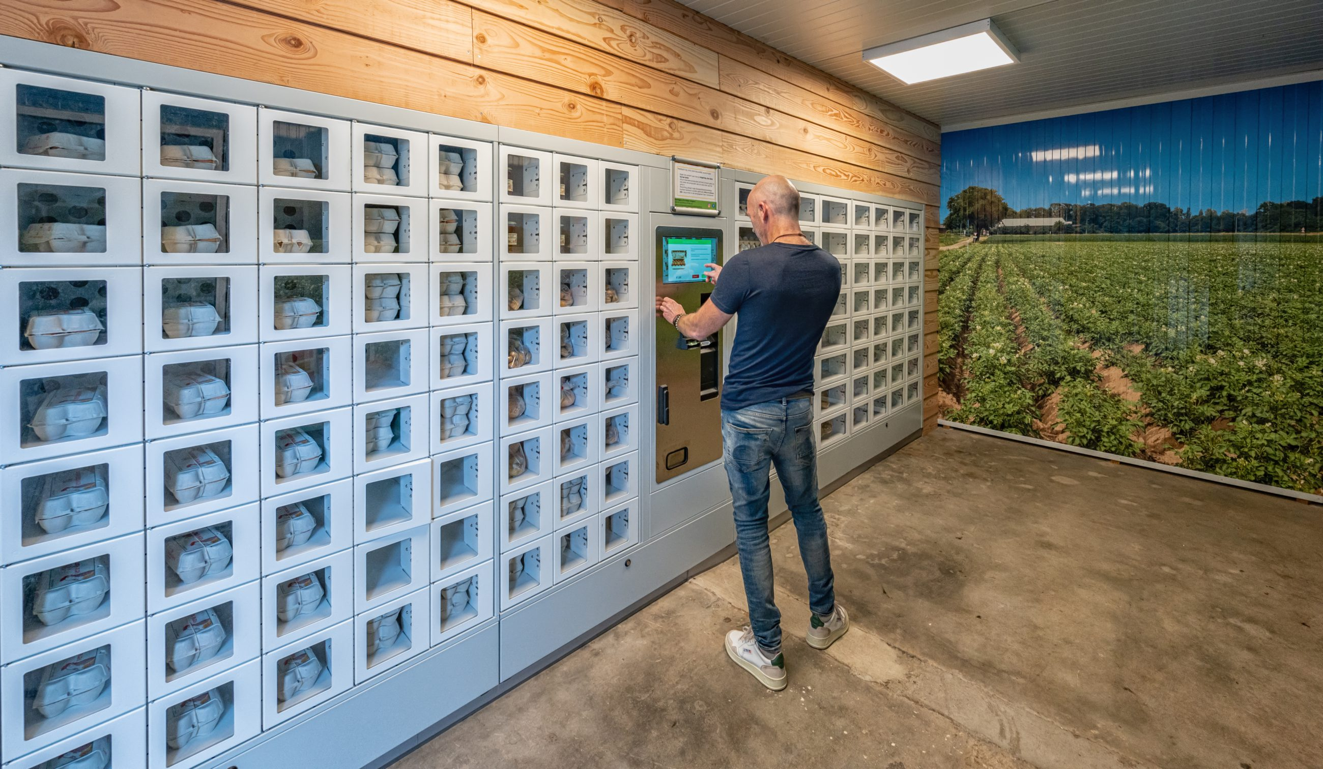 Verse seizoensproducten in Boerderij-automaat Noorloos